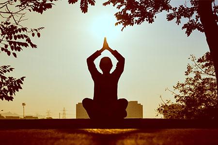 meditation yoga sport gegen allergie